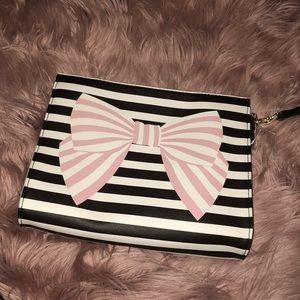 Cute striped bow betray Johnson clutch